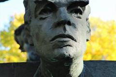 POMNIK PIWNICY POD BARANAMI, 2000, Jan Kanty Pawluśkiewicz